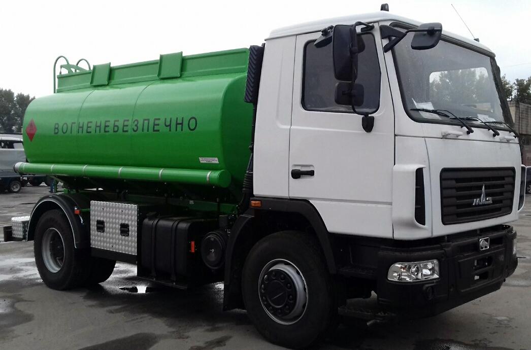 автотопливозаправщик для перевозки жидких нефтепродуктов