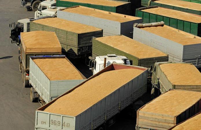 Сколько должен везти самосвал-зерновоз, чтобы не было перегруза?