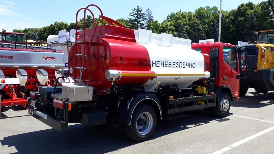 топливозаправщик на jac 5 м3